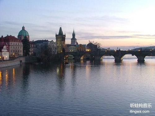 美丽的沃尔塔瓦河