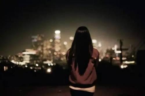 微信:deelfelhouse   【晨曦微露】一个人一座城用