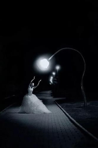 Midnight Waltz(午夜华尔兹)